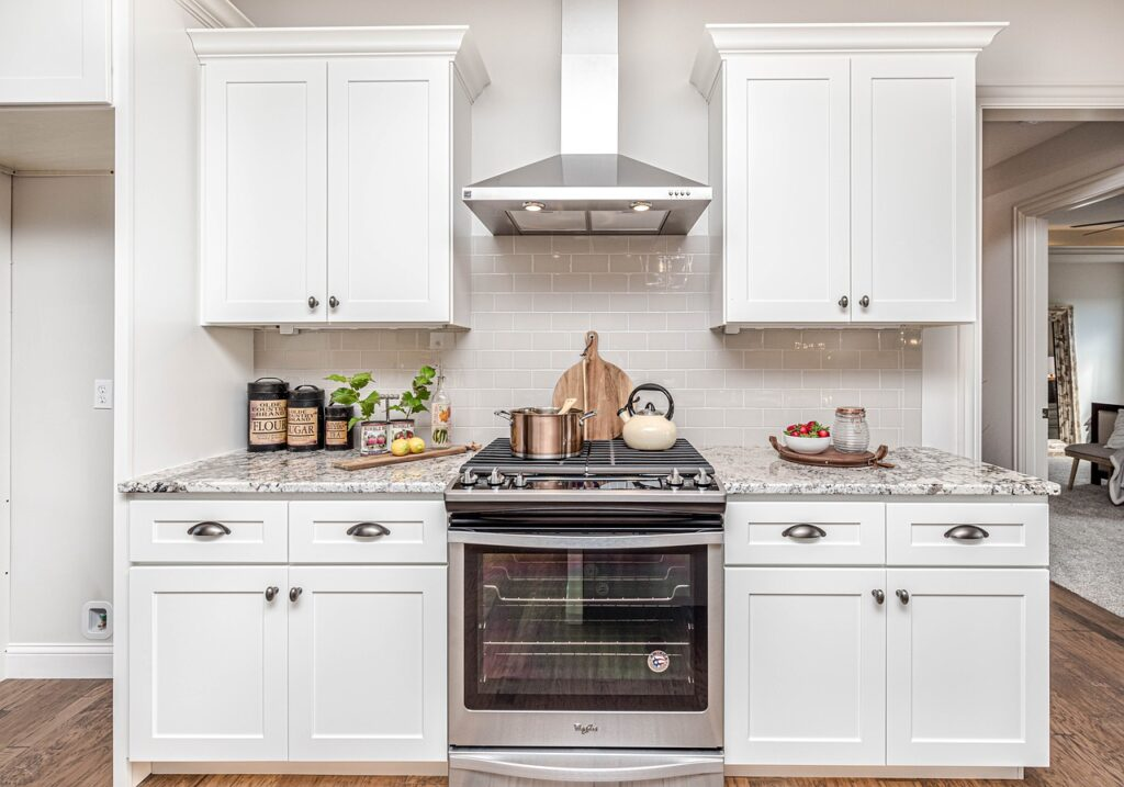 What Are Some Advantages of Custom Kitchen Cabinets?   JC Premier Melbourne